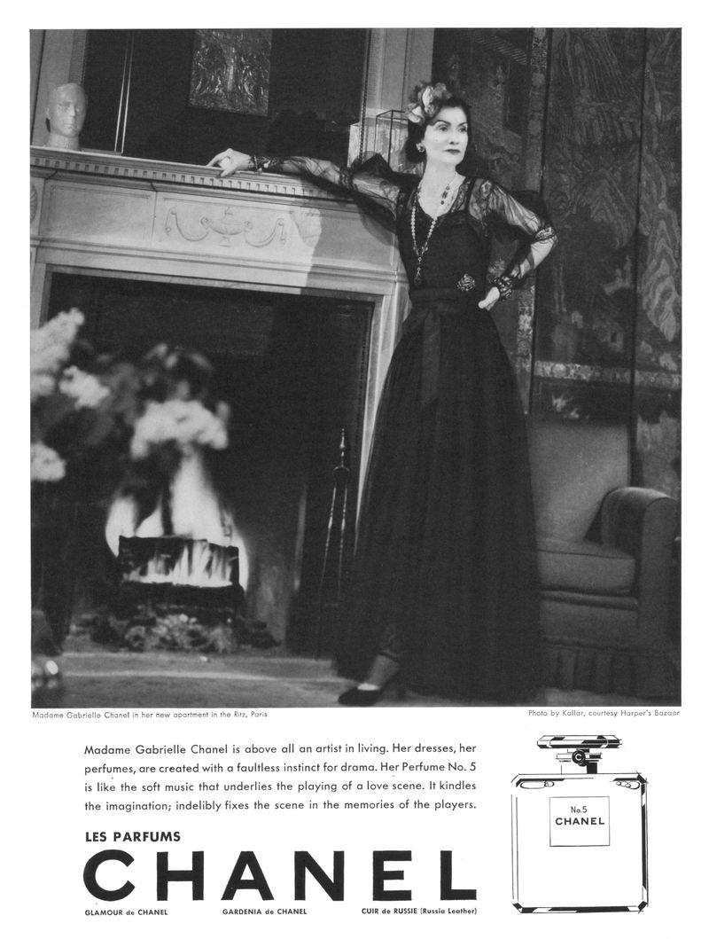 81156d48bb Gabrielle Chanel v reklamě na Chanel No. 5 z roku 1937
