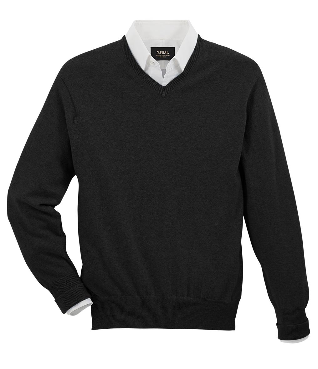 23503522a16 Klasický černý svetr s výstřihem do V