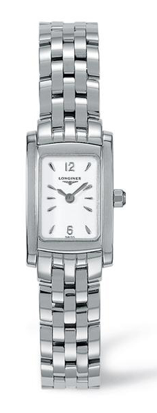 Rodina hodinek Longines Dolcevita obsahuje elegantní dámské hodinky  obdélníkového půdorysu d19b11aad00